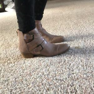 Nine West bootie